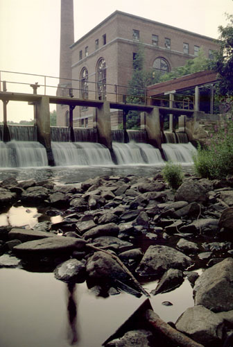 Walter Baker Dam, at Lower Mills, on the Neponset River presents an obstacle to fish migration. Unfortunately, PCB-contaminated sediments also have accumulated behind this dam and behind the upstream Tileston & Hollingsworth Dam.