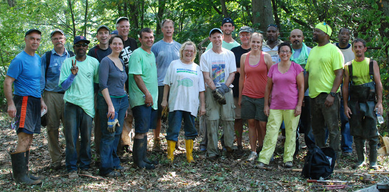 volunteer-group-photo-for-web